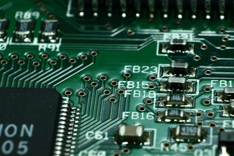 Apa Bedanya Microcontroller Dengan Microprocessor?